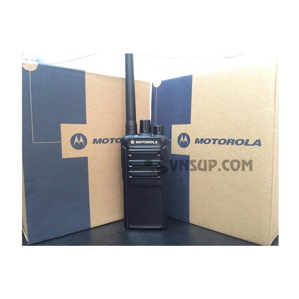 Máy bộ đàm Motorola CP110