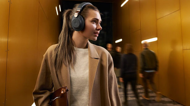 Loại bỏ tiếng ồn trong tai nghe: Khử tiếng ồn là gì? và nó hoạt động như thế nào?